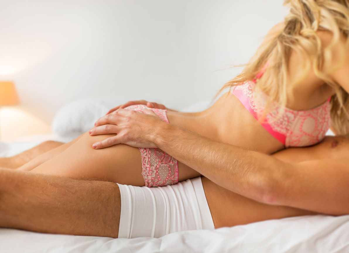 pink couple - The Alternative Lifestyle - thealtstyle.com